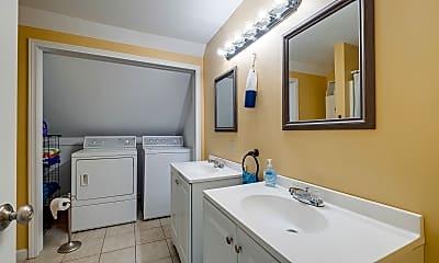 Bathroom, 6 Pine Point Rd, 2