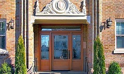Building, 220 16th Ave E, 1