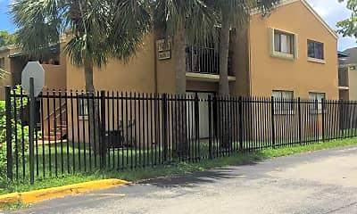 Magnolia Lane, 0