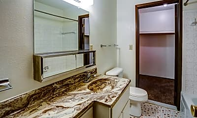 Bathroom, Nob Hill Apartments, 2