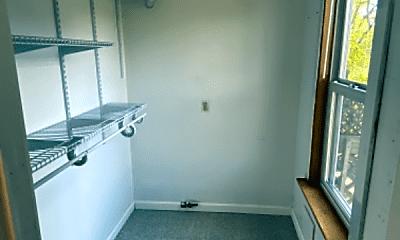 Living Room, 84 Ellis St, 2