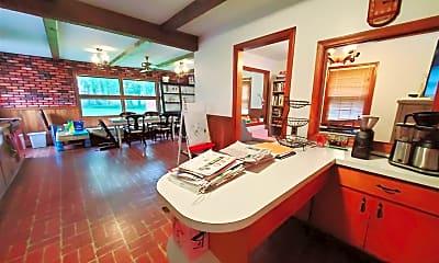 Kitchen, 7 Red Cedar Dr, 1