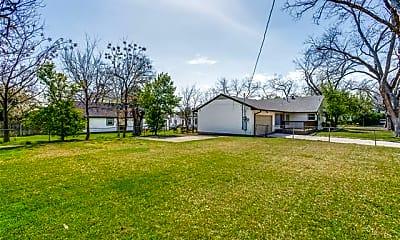 Building, 830 N Buckner Blvd, 2
