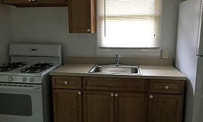 Kitchen, 897 E Maiden St, 1