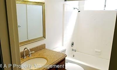 Bathroom, 7311 Newlin Ave, 2