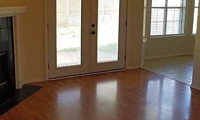 Living Room, 411 N D St, 1