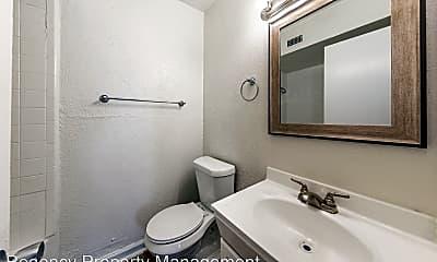 Bathroom, 2447 Harry Wurzbach Road, 2