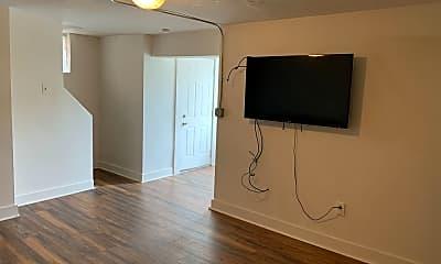 Living Room, 372 S Bouquet St, 1