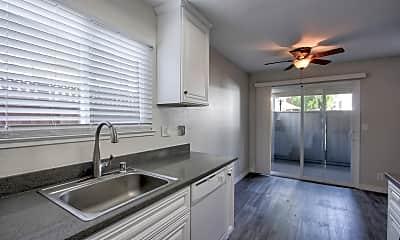 Kitchen, Four Twenty Union Apartments, 1