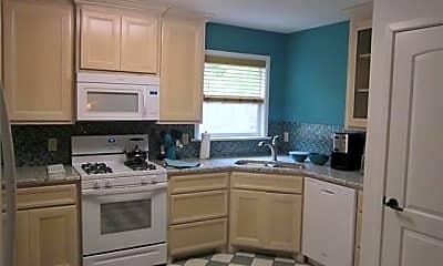 Kitchen, 750 Ballinger St, 2