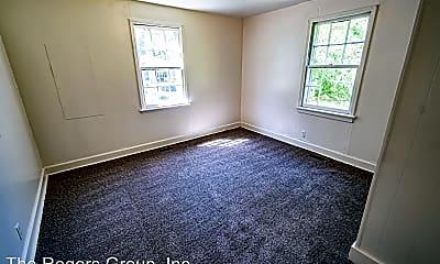 Living Room, 520 N Clark St, 2