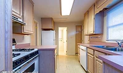 Kitchen, 121 S Clark St, 2