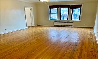 Living Room, 92-05 Whitney Ave, 0