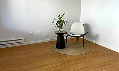 Living Room, 4215 S 66th St, 1