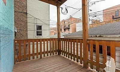 Patio / Deck, 847 W Wellington Ave, 2