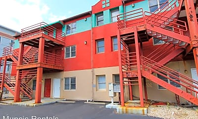 Building, 1501 W University Ave, 2