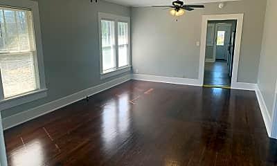 Living Room, 509 Minden St, 1