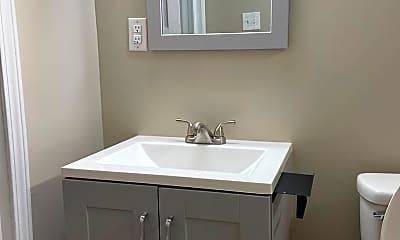 Bathroom, 1020 18th St, 2