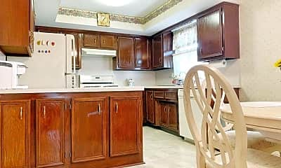 Kitchen, 310 Caswell Ave, 1