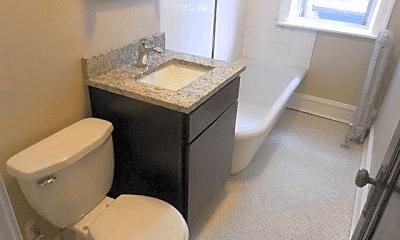 Bathroom, 4917 N Damen Ave., 1
