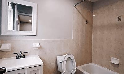 Bathroom, 39 Greenville Ave, 2