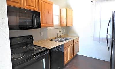 Kitchen, 7885 Oak St, 1