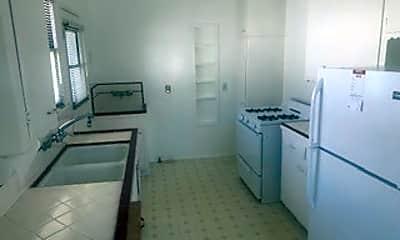 Kitchen, 918 S Averill Ave, 1