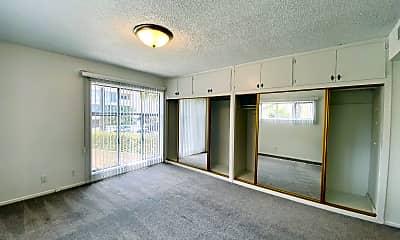 Living Room, 130 N Hamilton Dr, 2