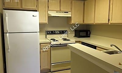 Kitchen, 4024 Crockers Lake Blvd - 623, 1