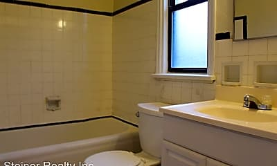 Bathroom, 131 Edgewood Ave, 2