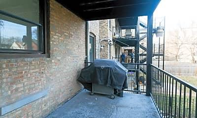 Patio / Deck, 3245 N Damen Ave, 2