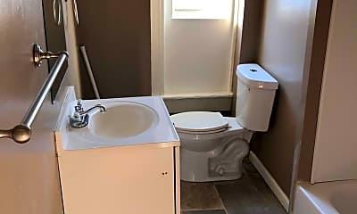 Bathroom, 1001 Appleton St, 2