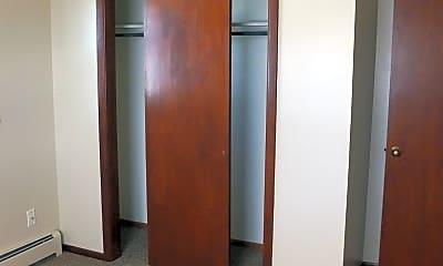 Bedroom, 1000 Dewey Dr NW, 1