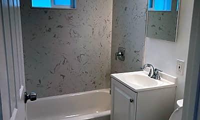 Bathroom, 3071 William Ave, 2