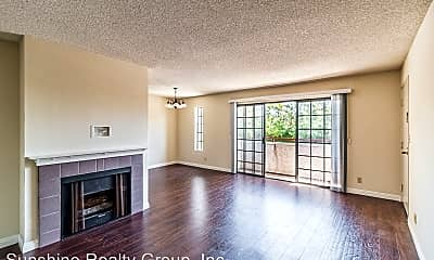 Living Room, 10737 La Grange Ave, 0