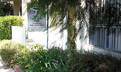 Encino Terrace, 2