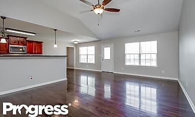 Living Room, 1003 Neeleys Bnd, 1
