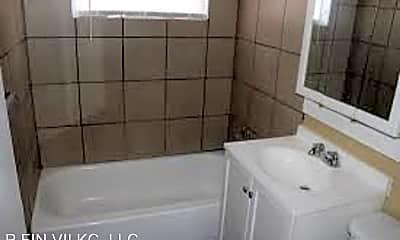 Bathroom, 7200 E 112th St, 2