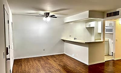 Living Room, 18350 Hatteras St, 0