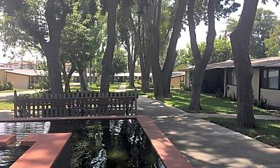 Claremont Village Green, 0