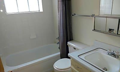 Bathroom, 1625 Bonforte Blvd, 2