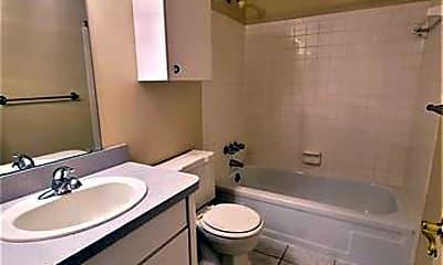 Bathroom, 1160 Catalpa Dr 205, 2