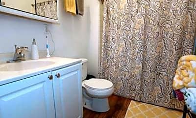 Bathroom, 2137 N Sheffield Ave, 0