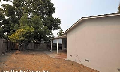 Building, 232 Gardenia Way, 2