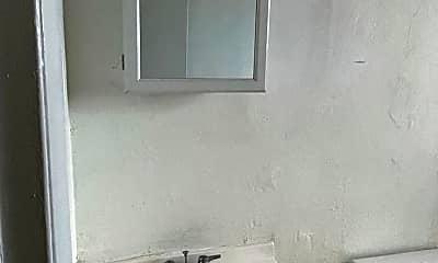 Bathroom, 465 E 28th St, 1