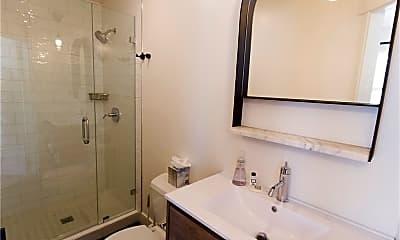 Bathroom, 215 29th St C/STUDIO, 1