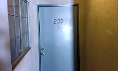Living Room, 550 W Stocker St, 2