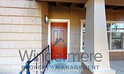 Building, 1400 SE Broadway Ave, 1