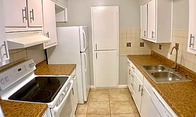 Kitchen, 3802 Englewood Cir, 1