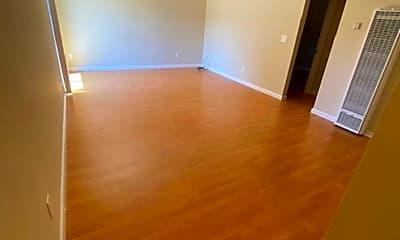 Living Room, 900 Alvarez Ave, 1